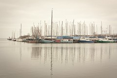 (Xicu Piera) Tags: sea haven reflections ships monnickendam