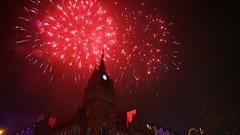 """Feuerwerk """"Das Schloss"""", Berlin, Germany (Fotograf M.Gerhardt) Tags: berlin germany deutschland fireworks nacht architektur gebude feuerwerk steglitz 2016 jubilum dasschloss 10jahre rathaussteglitz pyromusical schlosstrase schlossstrase"""