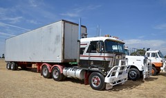 Kenworth (quarterdeck888) Tags: nikon flickr transport frosty semi lorry trucks express logistics kenworth bigrig overtheroad haulage quarterdeck cabover class8 heavyvehicle truckshow countryshow cartage roadtransport heavyhaulage truckies d7100 highwaytrucks aussietrucks australiantrucks expressfreight australiantransport freightmanagement truckdisplay jerilderietruckphotos jerilderietrucks outbacktrucks dryfreightvan lockharttruckshow bogievan quarterdeckphotos lodtrucks nationalhistorictruckandcommercialvehicleshow