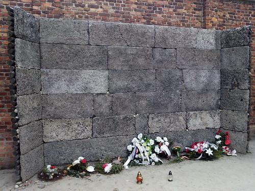 """Auschwitz-Birkenau <a style=""""margin-left:10px; font-size:0.8em;"""" href=""""http://www.flickr.com/photos/141744890@N04/25721691064/"""" target=""""_blank"""">@flickr</a>"""