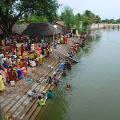 (Rick Elkins Trip Photos) Tags: woman india man river village child laundry bathing hindu tamilnadu ghats