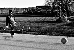 la frustata (enricoerriko) Tags: enricoerriko ruzzola civitanova marche portocivitanova casette santelpidioamare formaggio casciolancio italia italie italy sea mare fiume river chienti adriatico sabato strade campagna bianche cascinare centro santacroce nyc us civitanovamarche sanmarone erriko enrico sunshine sunset google altavista web sunrise sun moon earth globe grass piazzaxxsettembre lidocluana casadelpopolo murales