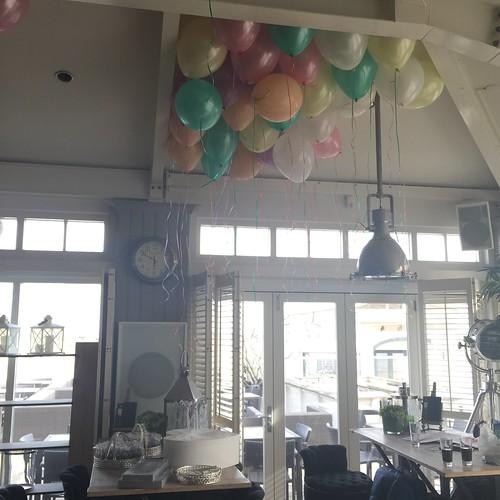 Heliumballonnen 16inch Pastel Verso aan het Strand