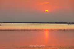 K0148.1011. Sn.Hi Phng (hoanglongphoto) Tags: sunset sky sun nature water skyline canon landscape asian asia afternoon outdoor vietnam watersurface northvietnam hiphng phongcnh sunsetlandscape butri mttri nc honghn thinnhin vietnamlandscape ngoitri canoneos5dmarkii phongcnhvitnam chu ngnam buichiu sn mtnc canonef70200mmf28lisiiusmlens chntri phongcnhhonghn