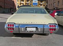 1972 Oldsmobile Cutlass Supreme (crusaderstgeorge) Tags: cars sweden gvle sverige 1972 supreme oldsmobile cutlass americancars gvleborg americanclassiccars 1972oldsmobilecutlasssupreme americancarsinsweden