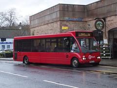 TM Travel 1169 Matlock (Guy Arab UF) Tags: travel bus buses derbyshire group solo tm matlock optare 1169 wellglade m920 wellgladegroup mx04vlm