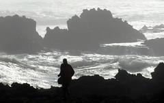 oualidia silhouette (kexi) Tags: ocean africa white man black silhouette silver coast march big rocks waves samsung atlantic morocco foam maroc huge atlanticocean 2015 maroko instantfave oualidia wb690