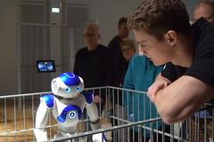 Nao, der Roboter (chrissie.007) Tags: deutschland kommunikation nao dortmund dasa manandmachine sonderausstellung dieroboter menschundmaschine dasadortmund naoderroboter humansandrobots arbeitsweltausstellung forschungsroboter menschundroboter