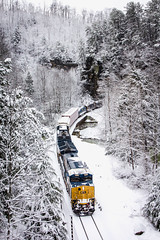 Snow at Hickory 3 (Peyton Gupton) Tags: snow creek train knoxville sub express polar peyton kd corbin hickory morley csx habersham gupton csxt chaska