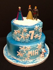 Frozen cake by Amy, Northern Utah, www.birthdaycakes4free.com