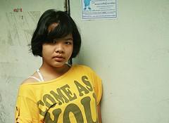 pretty teenager (the foreign photographer - ) Tags: portraits canon thailand kiss pretty bangkok teenager khlong bangkhen thanon 400d