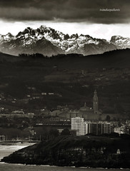 Gijn-Torrecerredo de un vistazo (ivandiazpallares) Tags: gijn asturias picosdeeuropa torrecerredo
