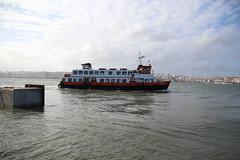 Madragoa (P Martinho) Tags: rio boat barco tejo ferrie cacilhas almada cacilheiro madragoa ginjal riotejo