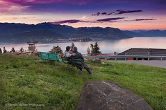 Admiring the landscape as the sun sets on Lake Maggiore (Fabrizio Malisan Photography @fabulouSport) Tags: travel italien sunset people italy panorama lake landscape lago see landscapes italian italia tramonto lac sunsets panoramic piemonte tramonti paesaggi piedmont italie paesaggio lagomaggiore italiano verbano italiani lakemaggiore stresa verbania travelphotography landscapephotography travelitaly travelphotographer landscapephotographer piemontesi