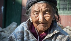 Darjeeling_January_2013_0559a (Satyaki Basu) Tags: old portrait lady canon eos is refugee indian tibetan usm darjeeling f28 himalayas 1755 450d