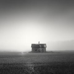 Sauna (Vesa Pihanurmi) Tags: chimney blackandwhite house mist building monochrome field fog architecture finland cornfield hut smokestack sauna