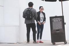 FFN_IMAGE_52039306 FFN_SET_70006171 (robstensimplesmente.amor) Tags: usa sunglasses jeans beverlyhills redshoes blackhat blacktop kristenstewart