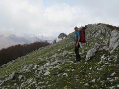 30/04/2016 - Monte Serra Alta (1756 m.), nei Monti Ernici, Sora (FR) (riky.prof) Tags: mountain mountains berg montagne trekking hiking montaa montagna senderismo sora wanderungen wanderung escursionismo montiernici provinciadifrosinone serraalta rikyprof provinceoffrosinone provinciadefrosinone provinzfrosinone monteserraalta
