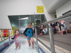 Isaac and Liam walking down the ramp into the pool (avlxyz) Tags: swimming isaac liam fb4