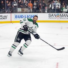 Vernon Fiddler (mark6mauno) Tags: hockey stars nhl dallas nikon center national nikkor vernon staples league fiddler staplescenter dallasstars 50mmf14d vernonfiddler nationalhockeyleague d810 nikond810 201516 ar1x1