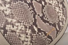 Michael Kors Julia MD Conv Shldr Handtasche 30S6GJQL6N Kalbsleder in Reptiloptil braun beige (ecru) (2) (spera.de) Tags: michael md beige julia braun taschen conv ecru kors handtasche michaelkors shldr kalbsleder 30s6gjql6n reptiloptil