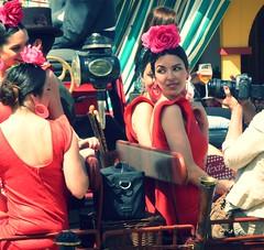 Sevillanas en coche de caballos (jantoniojess) Tags: españa sevilla andalucía spain feria seville beauties belleza flamenca feriadesevilla feriadeabril peineta cochedecaballos trajedeflamenca casetaferia bellezamujer sevillianwoman sevilliangirl feriadesevilla2016 flamencasconversando