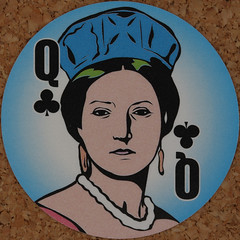 Round Playing Card Queen of Clubs (Leo Reynolds) Tags: playing deck card squaredcircle playingcard carddeck xleol30x