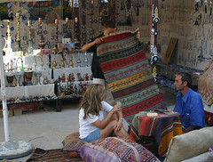 Turquia-Gocek-alfombras (Aproache2012) Tags: en del mar un perla tu reserva goleta camarote turqua precio increible i