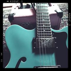 FLoch (shortscale) Tags: guitar amp vox hfner verythin