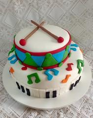 (bolos_rose) Tags: music cakes cake piano musical infantil bolo msica bolos colorido bolosrose