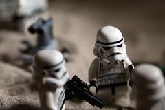 Lego Starwars Stormtrooper (sauter_charles) Tags: toy starwars sand lego stormtrooper spielzeug droid tatooine walle sturmtruppen