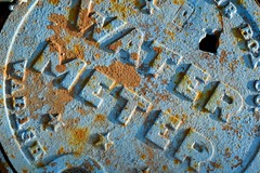 Rusty top (Ben De La Rosa) Tags: street blue texture water rust frame form meter sidelight filltheframe nikond3300