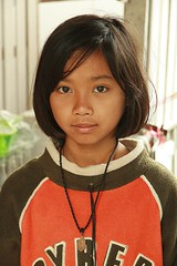 pretty preteen girl (the foreign photographer - ) Tags: girl portraits canon thailand kiss pretty bangkok preteen khlong bangkhen thanon 400d