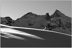 Liscio e ruvido - Smooth and rough (Matteo Bersani) Tags: shadow snow ombre neve ayas champoluc valdaosta a58 montagnamountain sonyalphaitalia naturanaturalmentenature bwbwbnblackwhitebianconero