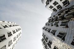 Neuer Zollhof, Düsseldorf (swphotographie) Tags: windows sky architecture facade frank harbor harbour fenster himmel gehry architektur hafen düsseldorf rhein fassade medienhafen neuer zollhof gehrybauten
