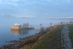 Ferry Tale (not.the.messiah) Tags: sunset fog ferry river dresden sonnenuntergang nebel rivire fluss brouillard elbe fhre dunst dresde johannstadt