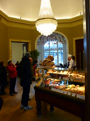 Kuchentheke (Jrg Paul Kaspari) Tags: station paul cafe gare railway bahnhof luxembourg luxemburg ville boulangerie wartepavillion