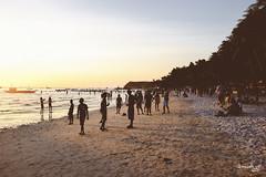 Sun in Setting at Boracay (Daniel Y. Go) Tags: travel vacation beach fuji philippines shangrila boracay shangrilaboracay x100t fujix100t