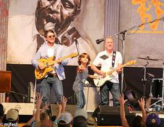 Jazzfest - Eric Lindell (MJfest) Tags: music fairgrounds us concert louisiana unitedstates neworleans nola jazzfest ericlindell jazzfest2015