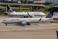 United Airlines Boeing 737-924/ER N45440 (Flightline Aviation Media) Tags: airplane airport aircraft aviation united jet houston boeing airlines iah 737 stockphoto kiah 737900 georgebushintercontinental 737924 canon50d 96078 bruceleibowitz n45440 flightlineaviationmedia