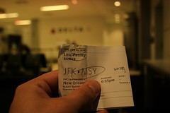 MSY (assis sur le rebord du monde...) Tags: voyage nyc travel winter snow newyork plane canon airport louisiana neworleans ticket jfk tired writer voyager nola backpacker fatigue occitanie 70d
