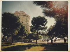 Sunny day (lenakibo) Tags: white tower day sunny landmark macedonia thessaloniki timeless macedonian saloniki lefkos paralia makedonia pyrgos pointofinterest   macedoniagreece lenakibo