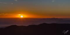 Posta de sol desde el Montseny (Ricard Snchez Gadea) Tags: sunset sun mist sol canon contraluz atardecer catalonia montserrat catalunya montaa niebla catalua montanya contrallum 6d postadesol 24105 montseny boira 24105mm canonef24105mmf4lisusm canon24105 eos6d 24105canon canonistas canon6d canoneos6d 6dcanon 6deos