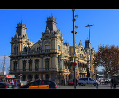 Port Authority, Barcelona (amandia) Tags: barcelona columbus monument statue spain military bcn catalonia lasramblas portauthority columbusmonument gobiernomilitar