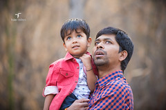 You see that? (taletellers) Tags: kids daddy sid son spotting subash rakesh kidsphotography rrp sonanddad taletellers rakeshreddyponnala taletellersin kidsoutdoorphotos taletellersphotography