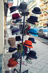 Hte / Hats (Fliwatuet) Tags: berlin germany schneberg de deutschland hats panasonic ostern hte m43 mft em5 goltzstr 20mm17 olympusomd