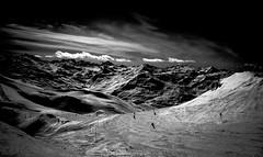 Ski d'Altitude (Frdric Fossard) Tags: ski alpes lumire altitude hiver horizon ombre ciel contraste neige savoie nuage valle tarentaise stationdeski luminosit les3valles
