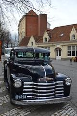 in central Bruges (Yenner815) Tags: car belgium bruges flanders flandria belgia brugia