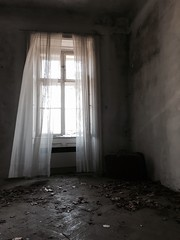 #lostplaces (wanda.w) Tags: light window leaves floor wind parkett curtain curtains ghosts lonely suitcase lostplaces
