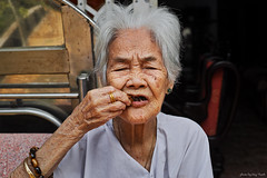 beloved grannie (Duy Thanh (td19vn)) Tags: old portrait love smile warm viet granny oldie beloved nam grannie